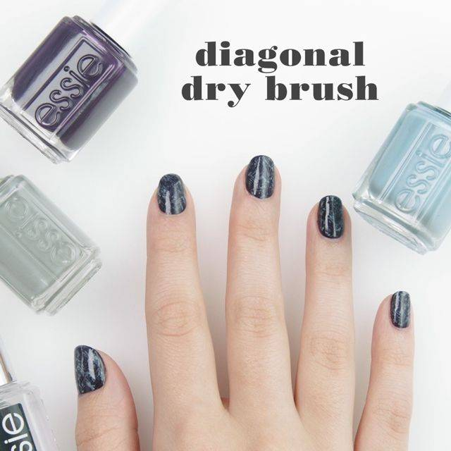 diagonal dry brush - nailart